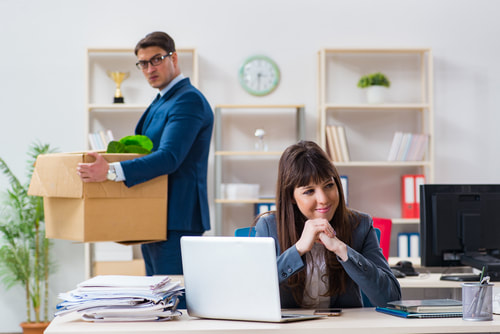 8 Tips for Effective Leadership During Downsizing